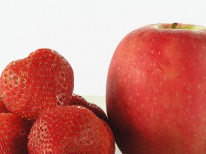 Red Fruit: each vibrant color has unique health benefits: Red apples, strawberries, raspberries, and pink grapefruit are rich in lycopene and quercetin, potent anti-oxidants with heart and cancer fighting properties.